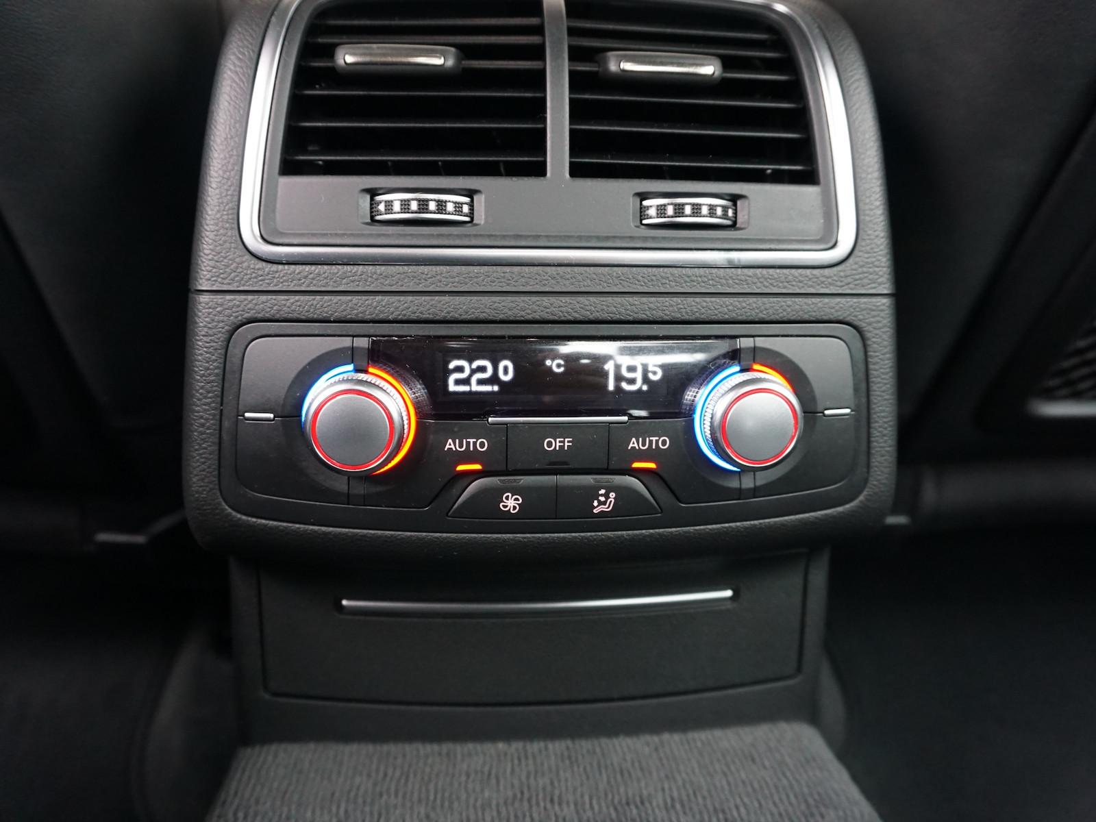 Audi_A6__11