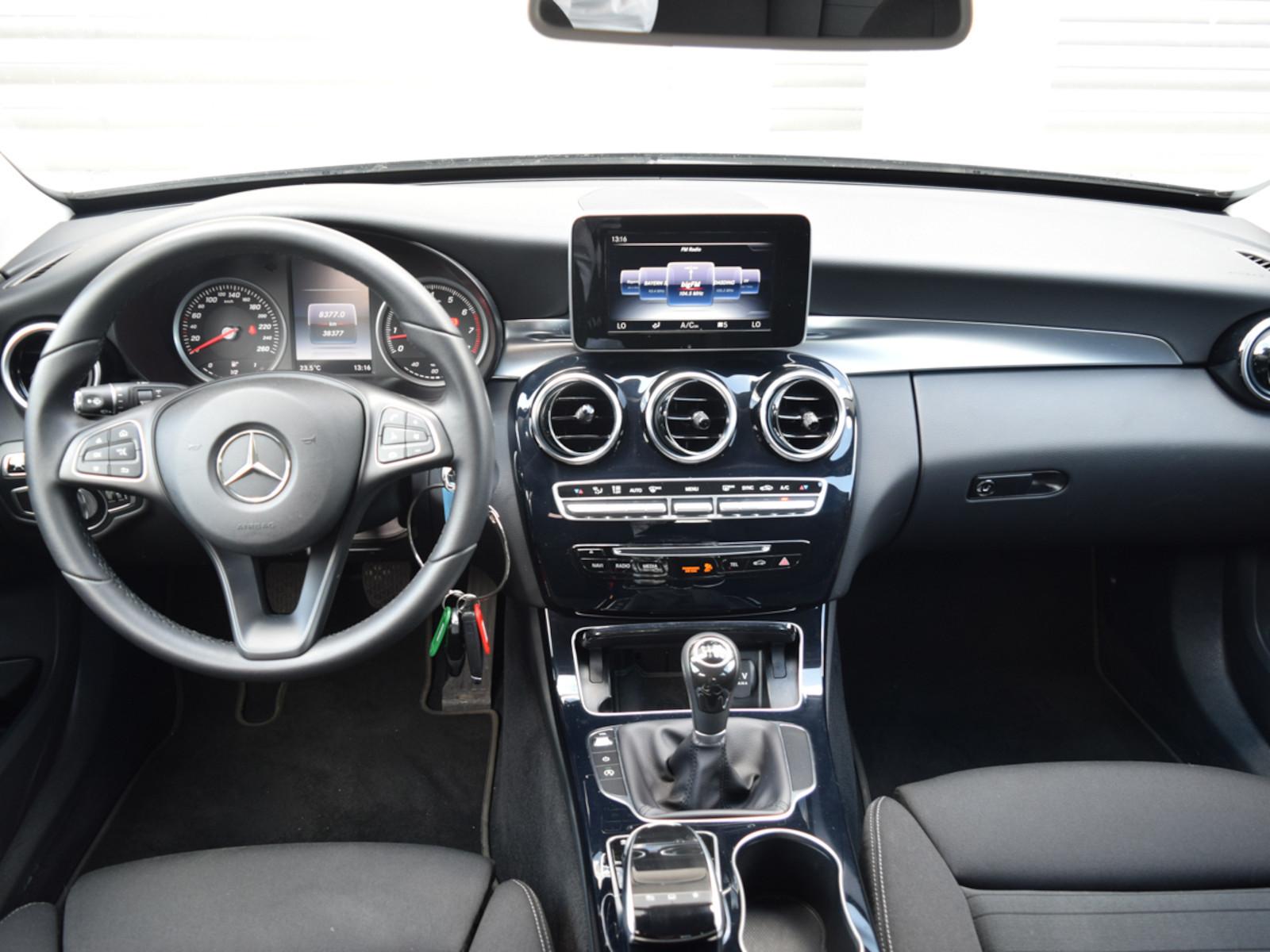 MercedesBenz_C200__8