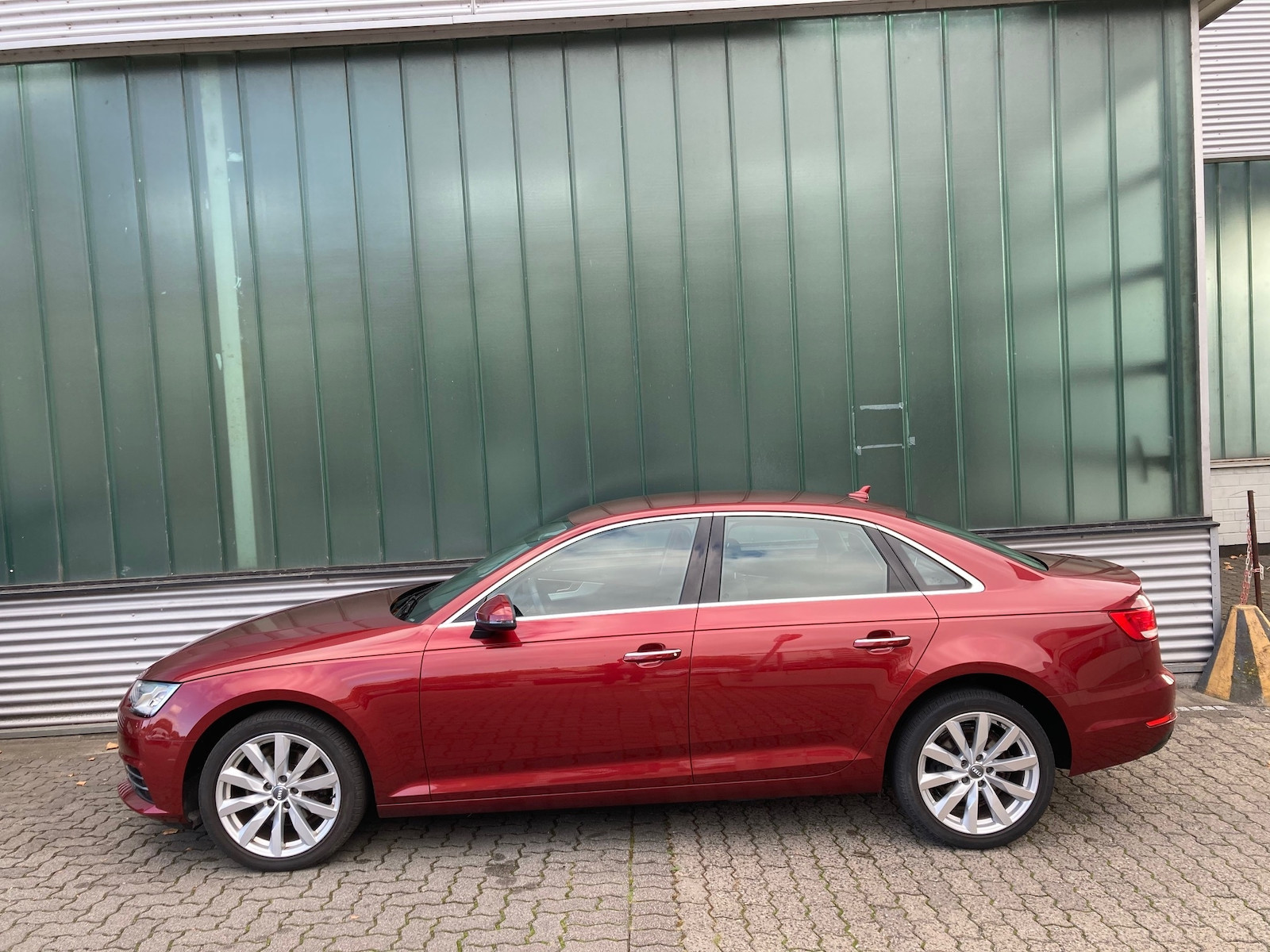 Audi_A4__6